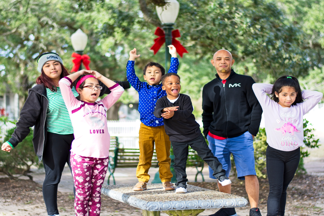 Christmas Family Photos at League City Park